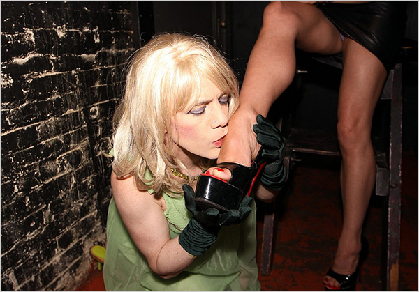 Foot worship at a Fetish Club